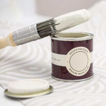 Farrow & Ball Testen Sie die Farbe vorab mit der Musterdose